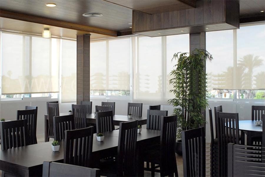 Cortinas SunScreen en Restaurant de San Miguel de Tucumán